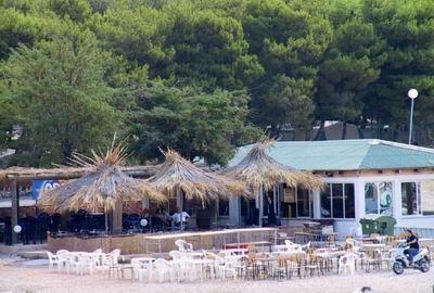 Povljana apartmani Povljana Pag sobe Povljana smještaj Povljana kamp Povljana pansioni turistička agencija Lotos zadarska rivijera