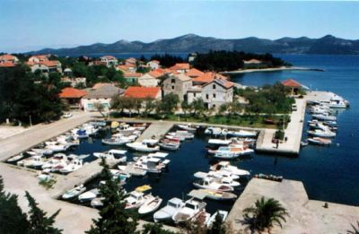 Iz Croatia - Island Iz Zadar - Iz apartments - Iz accommodation - Iz rooms  Iz travel agency Lotos Zadar Riviera