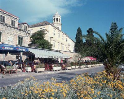 Chorvatsko Cavtat Dubrovnik apartmány pokoje ubytování hotely pronájem plavidel marina prístav dovolená CK Lotos