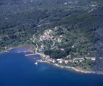 Chorvatsko Apartmány Tkon Pokoje Tkon Penziony Tkon Soukromé ubytování Tkon Pronájem plavidel marina Zadar Bibinje dovolená CK Lotos