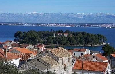 Chorvatsko Apartmány  Preko Pokoje Preko Penziony Preko Soukromé ubytování Preko Pronájem plavidel Zadar Bibinje Lukoran dovolená CK Lotos