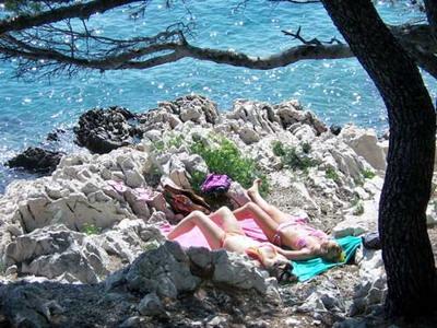 Chorvatsko Apartmány Tisno Pokoje Tisno Hotely Tisno Soukromé ubytování Tisno Pronájem plavidel jachty Murter dovolená CK Lotos