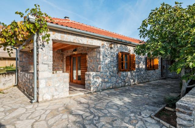 apartments Croatia Mandorla