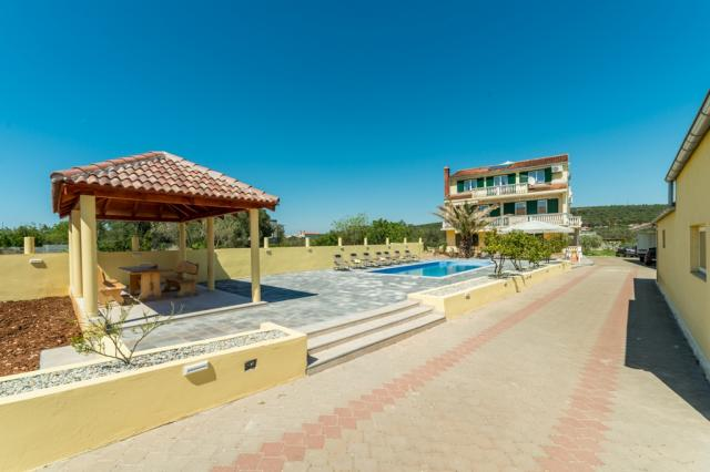apartments Croatia Solis