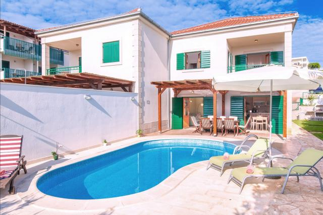 apartments Croatia VILLA MARE