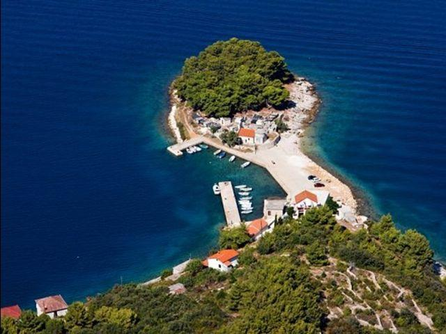 apartments Croatia PELEGRIN x