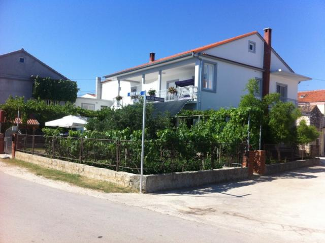 apartments Croatia DONJE MORE