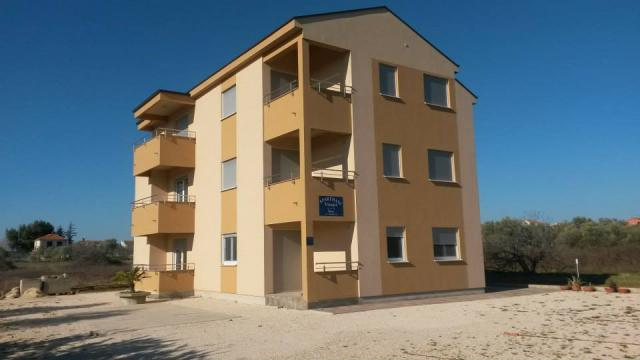apartments Croatia Lana x