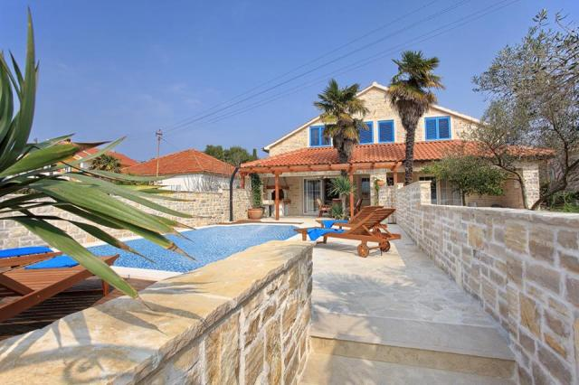 apartments Croatia Villa Antika